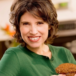 Dee McCaffrey, internationally acclaimed author on healthy nutrition!